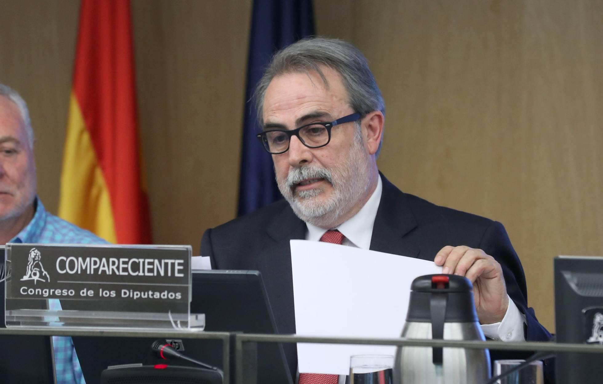 El País: «Los inspectores educativos reclaman más independencia del poder político para trabajar»